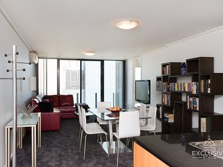 Exclusive Stays: Summit - 3 Bed 2 Bath, Melbourne