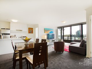 Exclusive Stays: Yarra Condo - 2 Bed 2 Bath