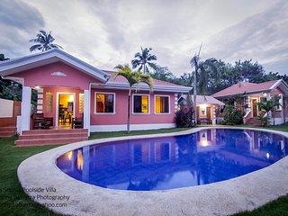 Casa Sophia Poolside Villa near Alona Beach
