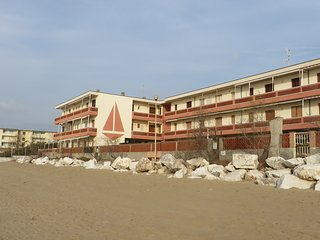 Apartment overlooking beach, San Vincenzo