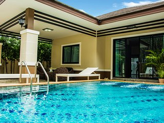 Krabi private pool villa Pattama