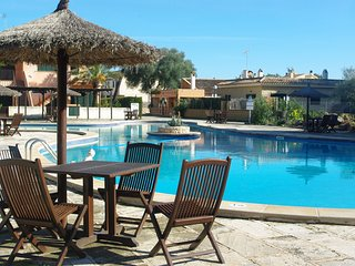 Cozy house, terrace, garden Wifi, sat Tv, Shared swimming pool from 6km Es Trenc