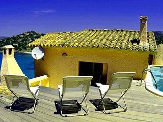 Appartamento moderno con piscina con panorama mozzafiato