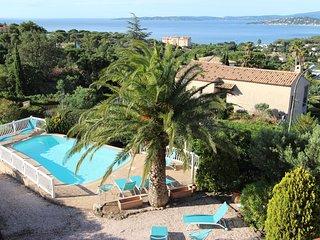 Grillons appartement 6/8 personnes dans villa provencale avec piscine