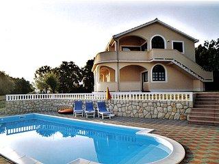 Apartment Nr.1 mit Pool, Garten, Meerblick, 2 Dopelzimmer, 2 Dusche/Wc, Terrasse