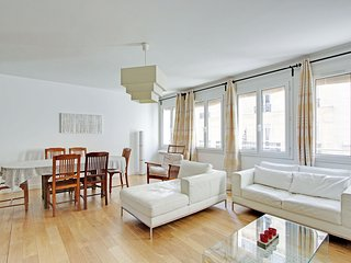 3 bedroom apartment Paris Latin Quarter P0560