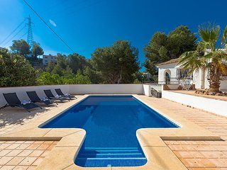 Spacious villa in Altea with Internet, Washing machine, Pool