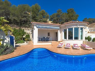 Villa 1.2 km from the center of Calp with Internet, Washing machine (25553)