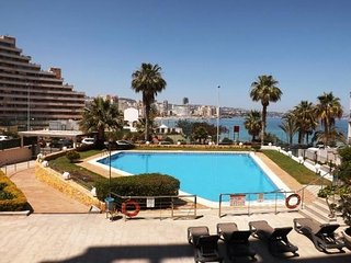 Spacious apartment a short walk away (459 m) from the 'Playa Cantal Roig' in Cal