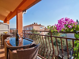 Apartment in the center of Rovinj with Air conditioning, Parking, Balcony