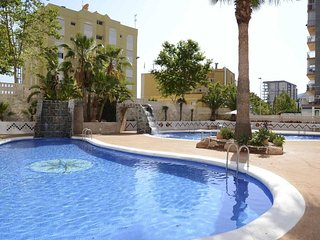 Spacious apartment a short walk away (298 m) from the 'Playa Cantal Roig' in Cal