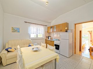 Apartment in the center of Banjol with Balcony, Washing machine (485831)
