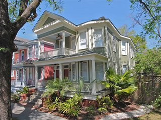Luxury on Waldburg, Savannah