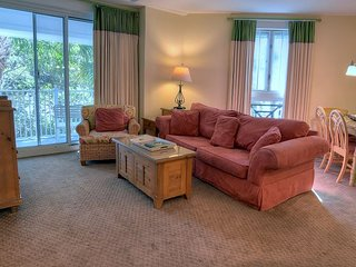 Relax at 'The Village Retreat' this Spring! 20% Off stay between 4/21-5/24, Miramar Beach