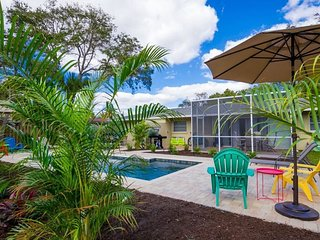 Casita Coco is a Completely Renovated 1/1 Heated Pool Home On Canal [sleeps 4]