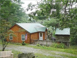 Autumn Ridge cabin in the Blue Ridge mountains, Stanley