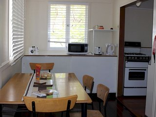 Manly Accommodation - Manly, Birkdale