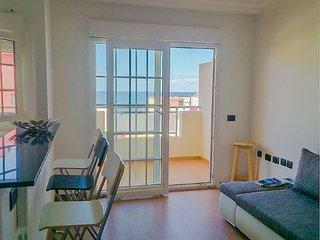 Appartement moderne à 20 mètres de l'océan et 3 minutes de la plage, La Caleta