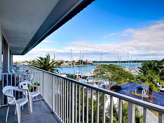 Bayside Condos 28 Charming 4th Floor Waterfront Studio
