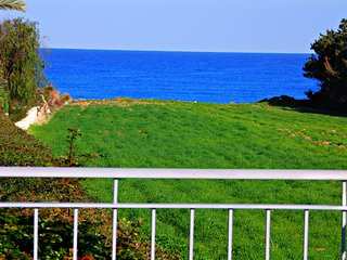 Exclusive Villa Samaliana - Private Sandy Beach, Argaka