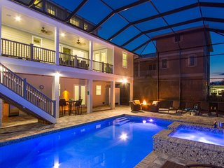 Endless Summer -Vacation Rental only 75 yards to the beach, 4 bedroom/4.5 bathro