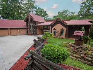 Indiana Wooded Paradise Retreat, LLC, Paragon