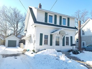 New 2/3/17! Remodeled Kutzky Park Home, Downtown, Walk to St. Mary's & More!, Rochester