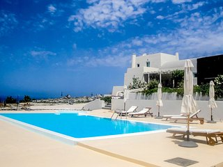 Blackrock Villa, Sleeps 10, Akrotiri