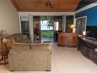 Nestled right on shore of the relaxed beachfront community Kahana Outrigger #4B2