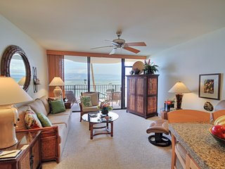 Beautifully Updated Deluxe Condo ~ Steps to Ocean ~ Kahana Reef #211