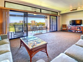 Panoramic Golf Course to Ocean Views. Short Walk to Beach~ Kaanapali Royal #M101