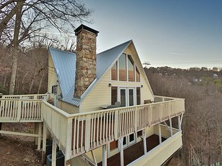 Skyline View a 4 bedroom cabin in Gatlinburg.