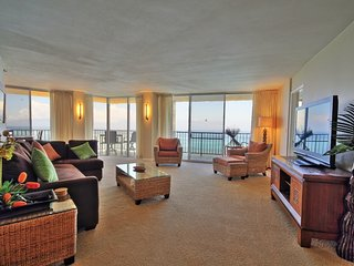 This ocean front property offers air conditioned comfort  Royal Kahana #911