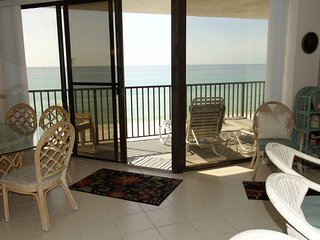 Aquavista 2bedroom, 2 bath with Sunset Views!  Sleeps 6.  Covered Parking!, Laguna Beach