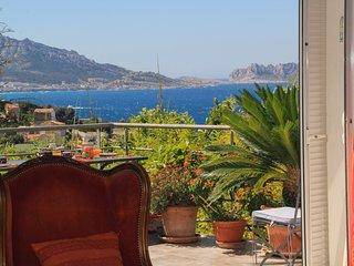Villa vue sur la mer, piscine, proche vieux-port de Marseille