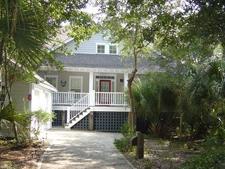 "Charming Private Cottage. Join us at ""Southern Comfort"""