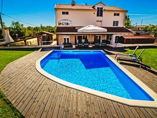 Large villa near Rovinj with pool and gym and nearby public playground & tennis
