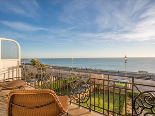 Breathtaking Sea View Charming Brighton Apartment