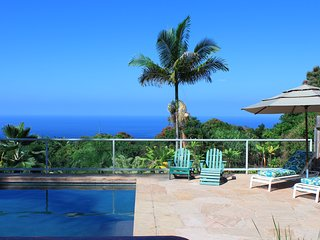 Amazing Views, Private Pool & Hot Tub  Only 5 Minute Drive to Swim with Dolphins, Captain Cook