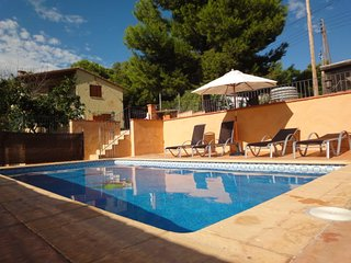 Catalunya Casas: Villa Vespella for 10 in the Spanish countryside, only 12km fro