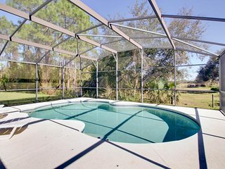 Family-friendly home w/private pool in quiet neighborhood close to Disney World