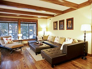 A calm destination for a relaxing retreat with a shared pool, hot tub, & sauna., Mammoth Lakes
