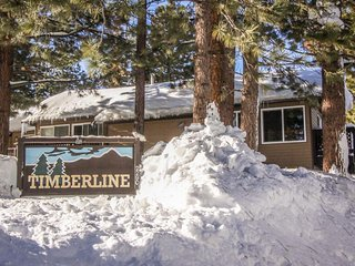 Dog-friendly condo with shared pool near the action of Mammoth Lakes!