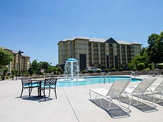 3 BR Condo Mtn View #3407-Close to the Parkway~Indoor/Outdoor Pools-WiFi-Grillin