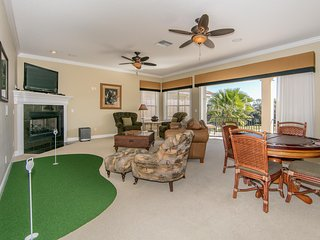 Homestead Hawthorn - 4br, Putting Green, Pvt Pool/Spa, FREE Waterpark Access