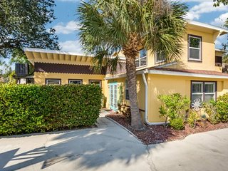 Sun Kissed Villa with Fabulous Pool and HD TV has it all! - Sun Kissed Villa, Fort Myers Beach