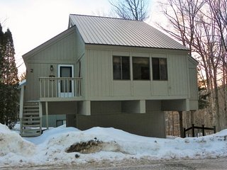 Newly Renovated Detached Townhome across from Loon Ski Area, Lincoln