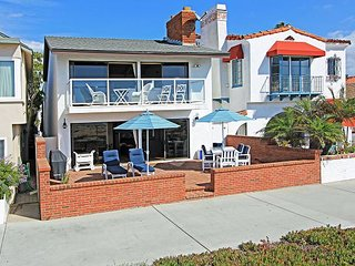 Oceanfront House - Endless Views - Patio & Balcony *31 NIGHT MINIUMUM RENTAL*, Newport Beach