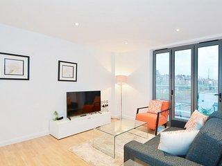 Luxury, spacious 1 Bedroom Apartment in Kensington Apt 6, London
