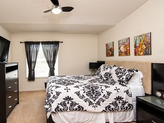 Manhattan Townhomes -Cozy, Clean and Economical, Tampa